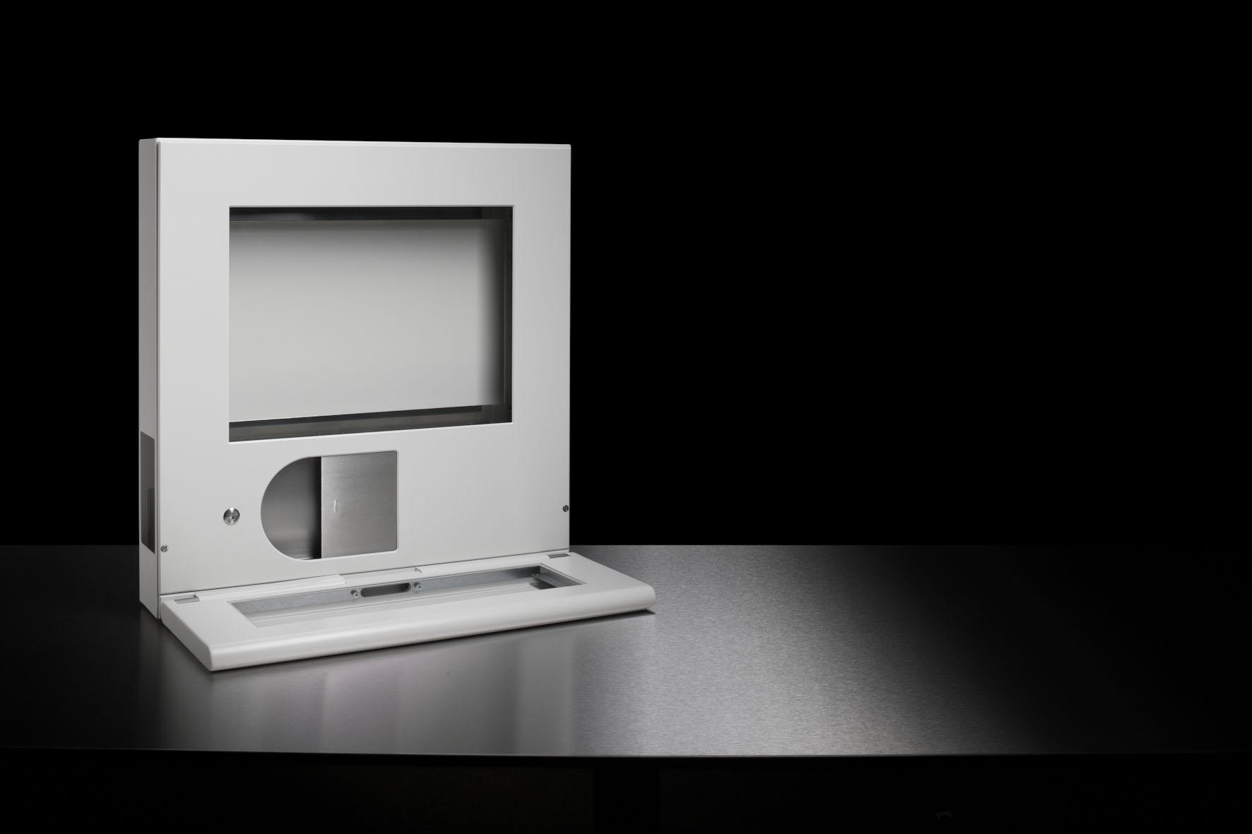 Weißes Wandgehäuse mit Display und Aussparung für Tastatur für die Medizintechnik