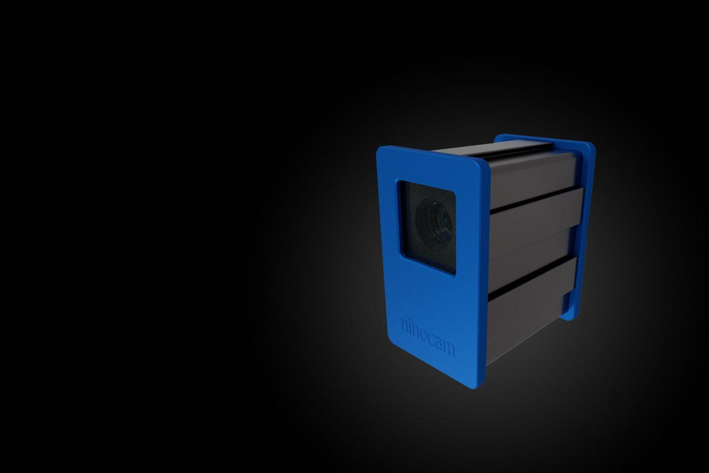 Individuelles Gehäuse einer 3D-Kamera mit blauer Front und Rückseite aus eloxiertem Aluminium und einer Linse.