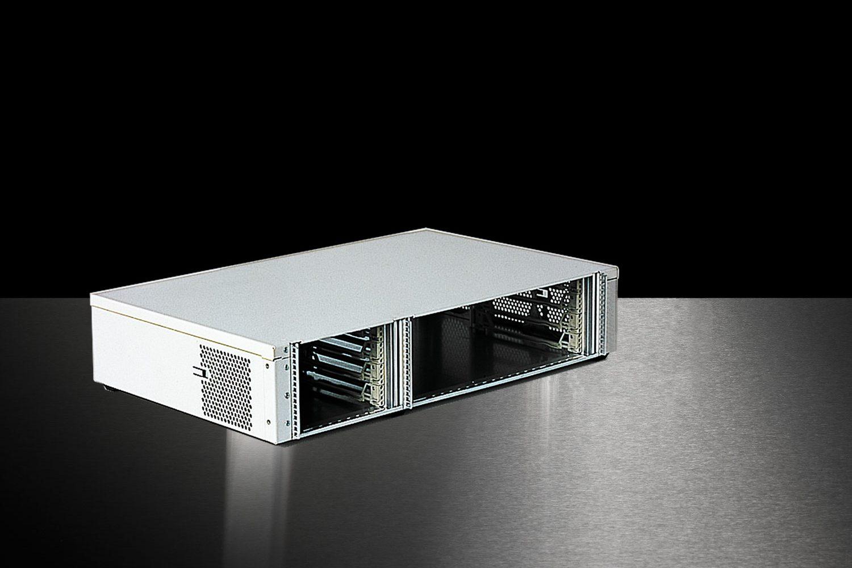 Standard 19-Zoll Gehäuse Slimbox in weiß mit 4HE und offener Front
