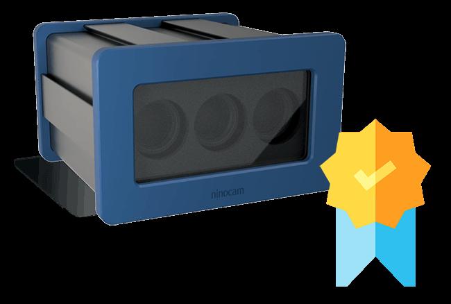 Gehäuse einer 3D-Kamera mit blauem Rand und Aussparungen für Kameralinsen hinter einer Glasscheibe an der Front. Auf dem Gehäuse ist ein Icon einer Medaille mit Häkchen.