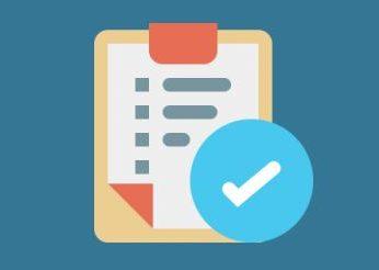 Icon einer Checkliste vor blauem Hintergrund