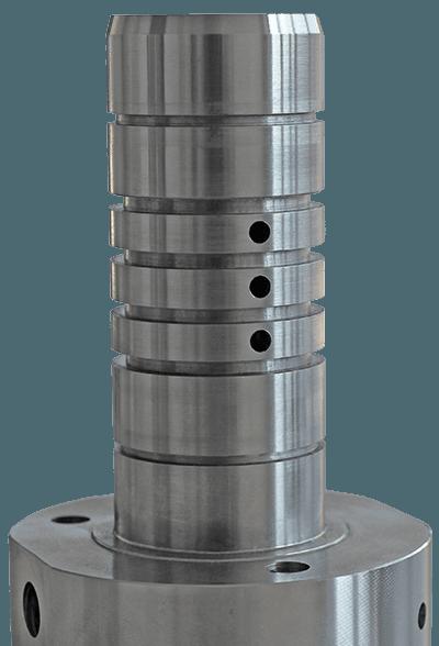 Drehteil aus Stahl mit umlaufenden Rinnen am länglichen Schaft
