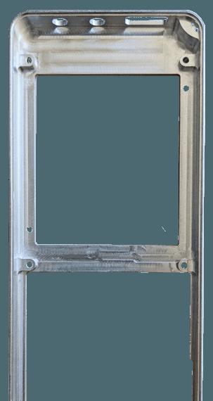 Innenseite eines CNC-Frästeils für ein Hand-Bediengerät mit Ausschnitten für Bildschirm, Tastatur und Stecker an der Oberseite